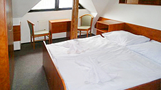 www.hotelmajpec.cz